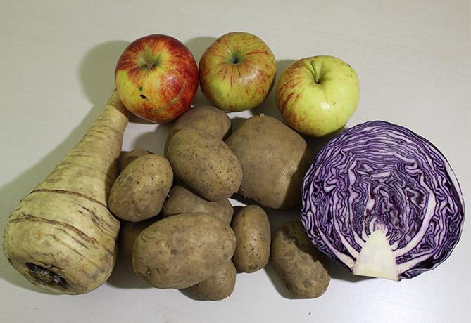 Groentepakket maart, appels, pastinaak, rode kool aardappelen